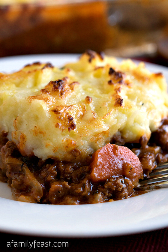 shepherd s pie with parsnip puree topping shepherd s pie topped with ...