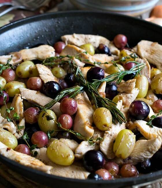 Quick Skillet Chicken with Grapes
